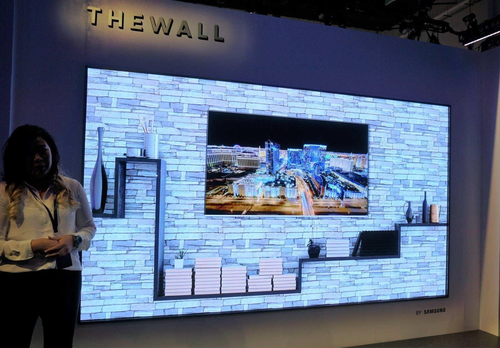 "Samsung Presents Biggest Ever TV Screen ""The Wall"""