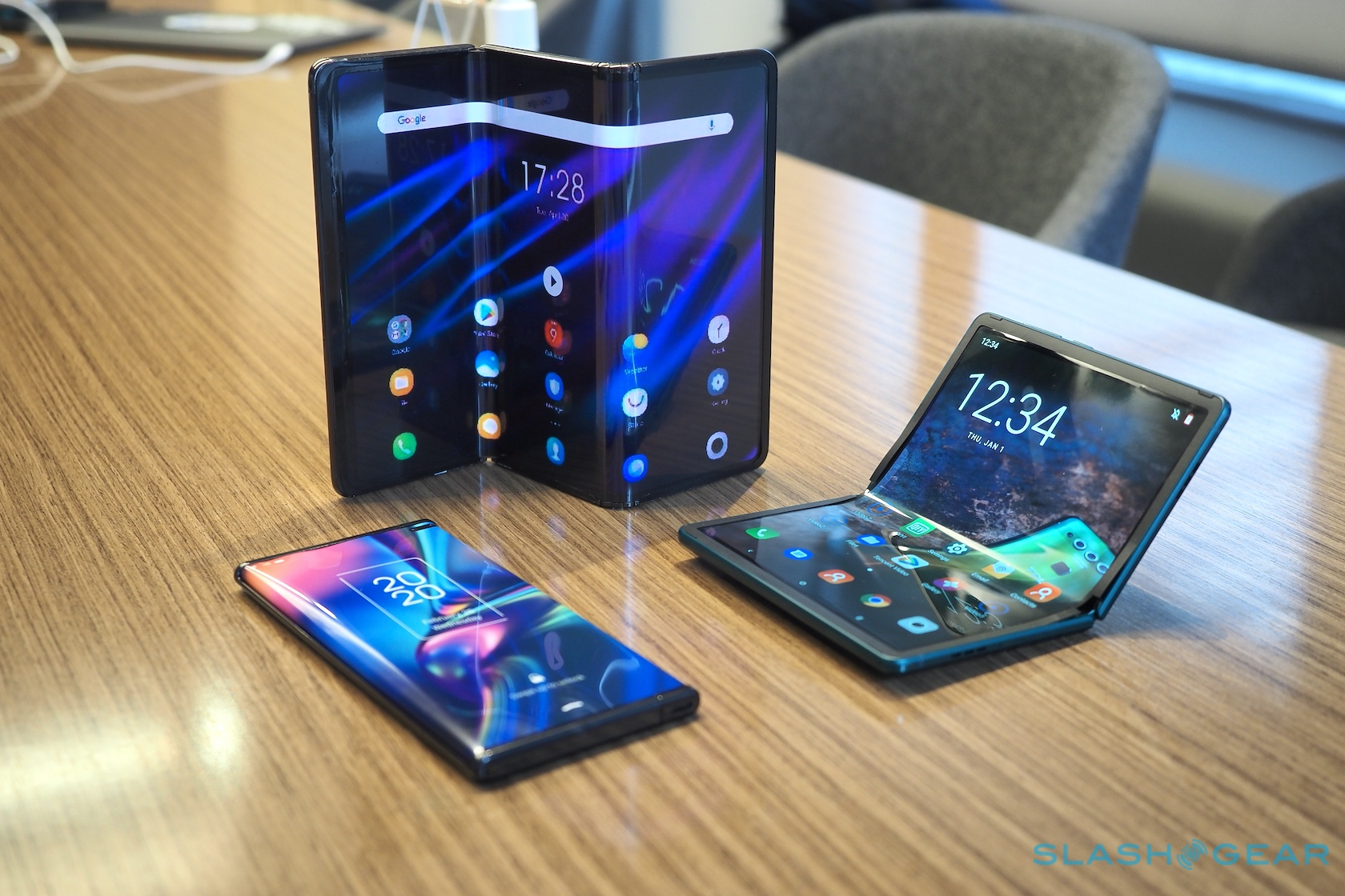 TCL presents the cheapest Foldable 5G smartphone